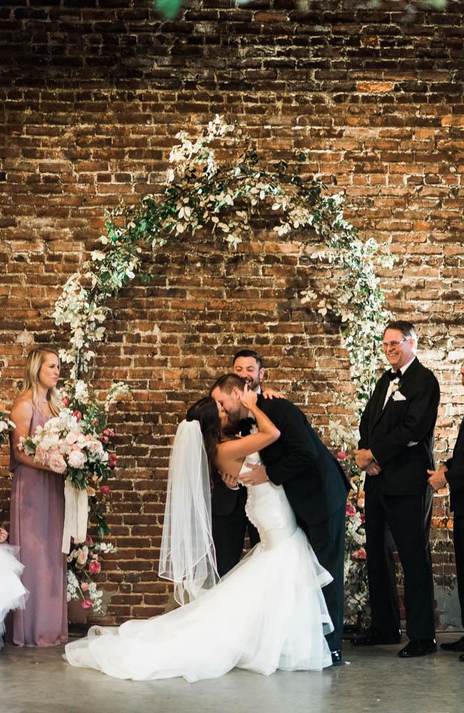 alabama_weddings_Jennifer_Oetting_Dooley_BA_Warehouse-1001