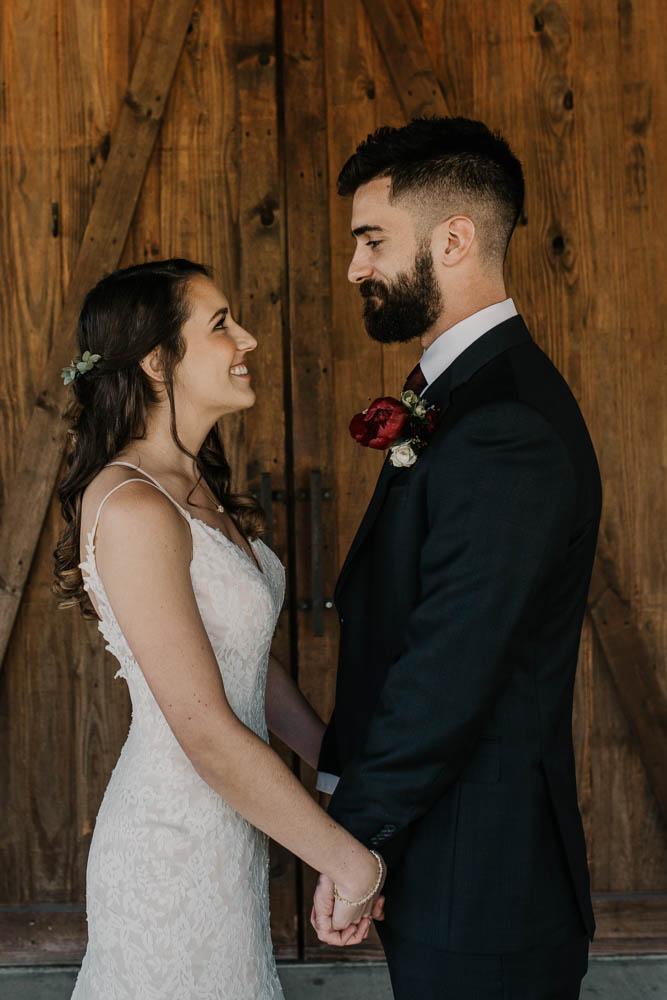 alabama_weddings_KelseyJusticeCreative_Barn_at_Shady_Lane-1007