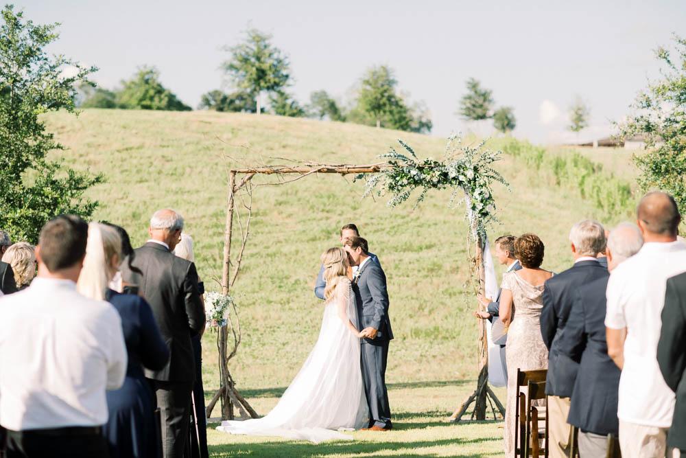 alabama_weddings_bellas_bridal_hannah_miller_photography_auburn_wedding-1031