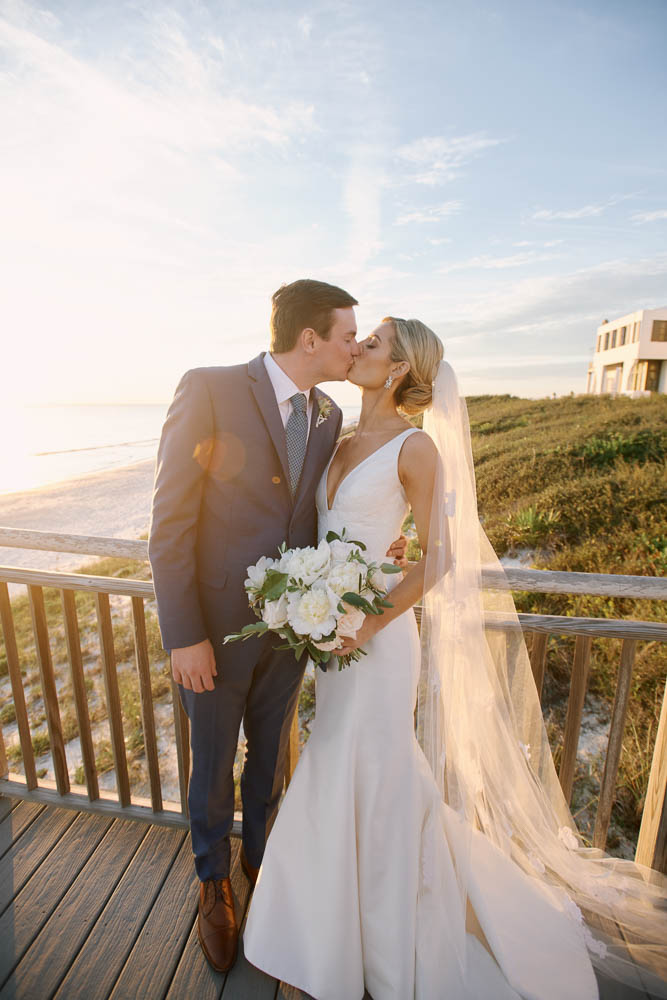alabama_weddings_ivory_and_white_paul_johnson_photography_alys_beach_wedding-1050